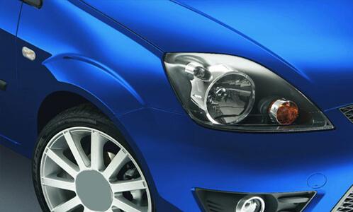 Обтяжка автомобиля синей пленкой